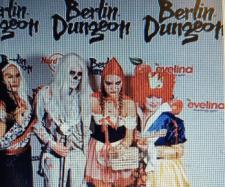 """Dschungelcamp trifft """"Love Island"""" bei Natascha Ochsenknechts Halloween-Party im Dungeon - Foto Instagram/Berlin Dungeon"""