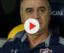 Marcelo Oliveira pode escalar dois meias contra o Atlético-MG (Foto: UOL)