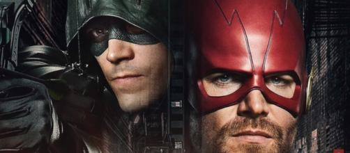 Barry Allen and Oliver Queen will swap superhero identities in the 'Elseworlds' crossover. - [Pagey / YouTube screencap]