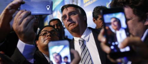 Militares, principalmente da reserva, veem Bolsonaro como uma ótima opção para o Brasil. (foto reprodução).