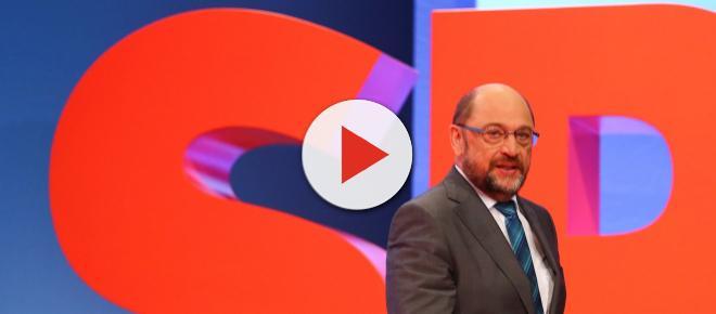 Schulz glissa sulla sconfitta bavarese e torna ad attaccare Salvini e Di Maio