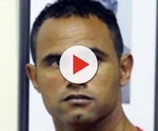 Ex-goleiro do Flamengo é flagrado em farra fora do presídio
