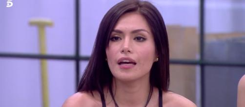 Miriam Saavedra estalla contra Mónica Hoyos en directo en 'GH VIP ... - bekia.es