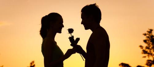 A felicidade de um casal pode ser conquistada por pequenas atitudes.