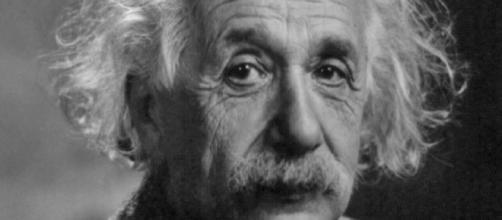 Albert Einstein revolucionou a ciência apesar de ter tido atrasos em seu desenvolvimento.