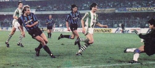Inter-Rapid Vienna 3-1, 3 ottobre del 1990: il terzo gol nerazzurro segnato da Jurgen Klinsmann