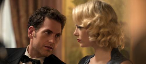 Jonah Hill e Emma Stone em cena de uma das aventuras vividas pelo casal na série
