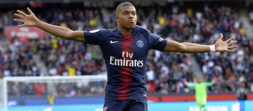 PSG : Manchester City ne lâche pas Mbappé