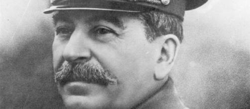 A vida de Stalin foi marcada por controvérsias relacionadas com tragédias e até mesmo homenagens.