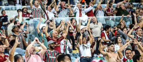 Torcedores organizam grande festa no Maracanã contra o Deportivo Cuenca (Foto: O Globo)