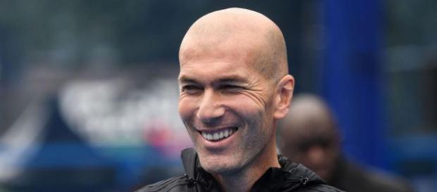 Zinédine Zidane a peu de chances de devenir le coach de Manchester United, selon Christophe Dugarry