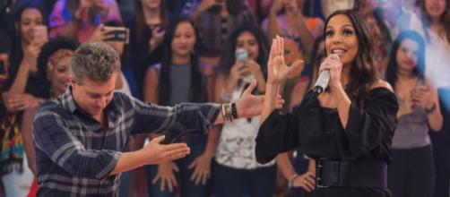 A cantora Ivete Sangalo e o apresentador Luciano Huck também já foram um casal.