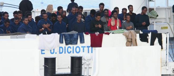 Caso Diciotti: per i giudici Salvini 'difese l'interesse nazionale', svolta nell'inchiesta