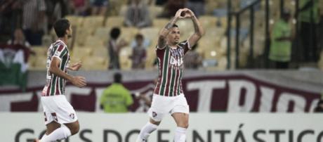 Atacante nas últimas partidas, Luciano pode vir como meia diante do Atlético-MG (Foto:Jorge Rodrigues/Eleven)