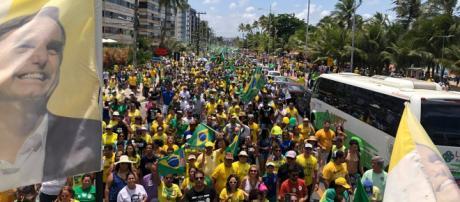 Manifestação em prol do candidato Jair Bolsonaro