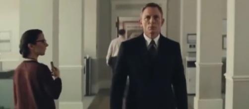 BOND 25 : RISICO - Teaser Trailer (2018)   Daniel Craig James Bond Movie Promo Trailer   Fan Made [Image courtesy – Movie Craft YouTube video]