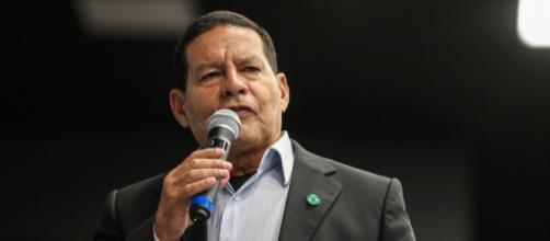 General Mourão lembra de declaração de Wadih Damous sobre o STF