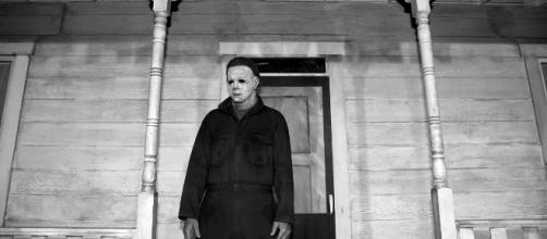 Halloween tops the weekend box office for October 19-21 [Image via Halloween movie/YouTube]