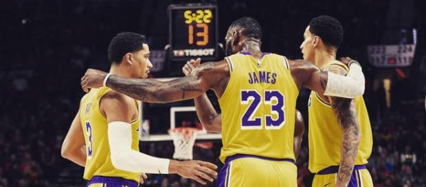 Luke Walton announces a new starting five for tonight's Lakers game [Image by lebron.king.james / Instagram]