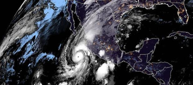 L'uragano Willa diretto verso il Messico