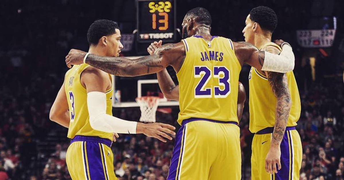 Luke Walton announces a new starting five for tonight's ...Lakers Game