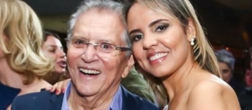 Carlos Alberto é casado com Renata Domingues