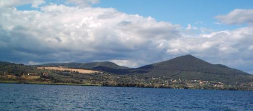 Il lago di Bracciano, al centro del Parco di Bracciano-Martignano
