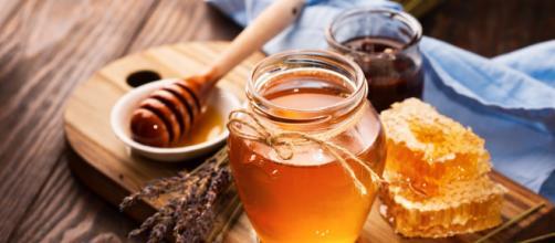 Surprising health benefits of honey ( Image via BT/Youtube)