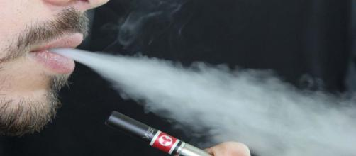 Philip Morris International is being called hypocritical for its new UK vaping ad. [Image Pixabay]