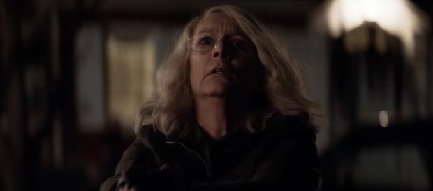 "Latest ""Halloween"" film shatters the box office, thanks to Jamie-Lee Curtis performance. [Image Credit] Collider-YouTube"