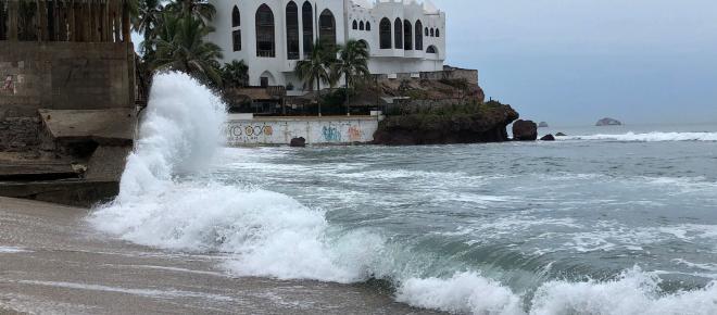 Huracán Willa alcanza la categoría 5 y amenaza las costas de México