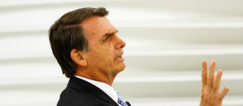 Bolsonaro critica Folha de São Paulo