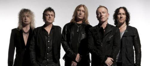 Def Leppard – Love Bites | Canzoni d'Amore - lecanzonidamore.it