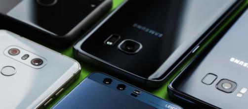 Apple e Samsung multati dall'Antitrust italiana