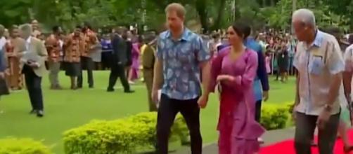 Meghan Markle and Harry land in Fiji. - [The Sun / YouTube screencap]