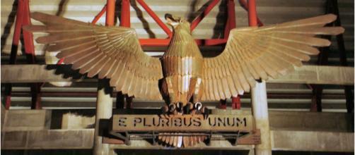 Símbolo do SL Benfica no Estádio da Luz [Imagem via Wikipedia]