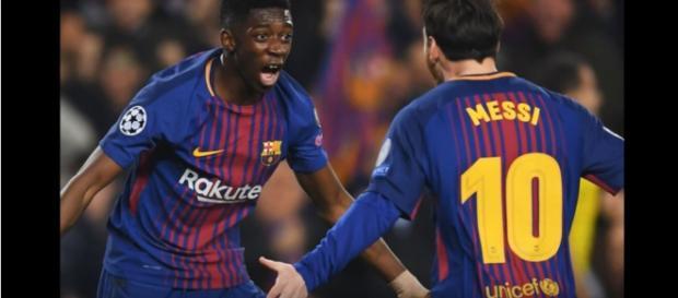 Dembélé com Messi [Imagem via YouTube]