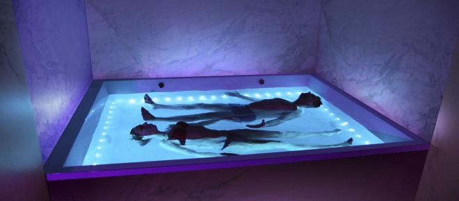Tanques de aislamiento sensorial: alcanzar el nirvana flotando en agua salada