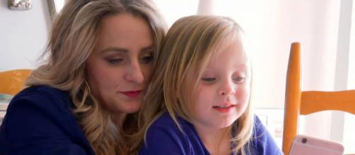 Leah Messer appears on MTV with daughter Adalynn. [Photo via MTV/YouTube]