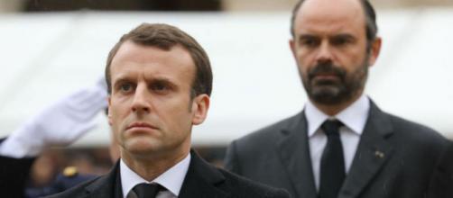 Sondage : Macron toujours moins populaire que Philippe