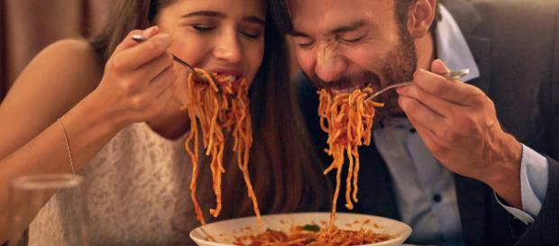 Mangiare pasta non fa ingrassare, ma rilassa e rende felici