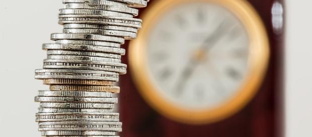 Pensioni anticipate, il Governo pronto a confermare la quota 100 come pluriennale e a rinviare la manovra identica all'Unione Europea.