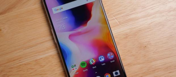 Should you buy the OnePlus 6 or wait for the 6T?   Android Central/Twitter