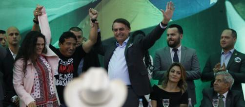Bolsonaro pede mais apoio em todo o Brasil