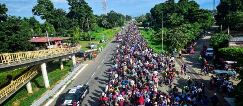 Trump anuncia un veto migratorio para centroamericanos de la caravana inmigrante