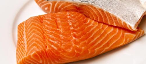 Focolaio di Listeria monocytogenes in 3 paesi Ue: la causa è di prodotti a base di salmone