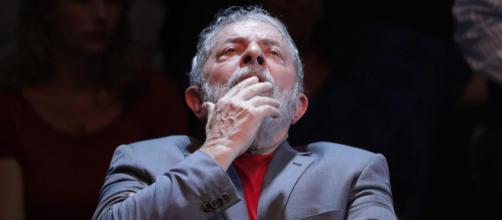 Lula orienta militância petista em caso de vitória de Bolsonaro