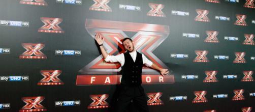 x factor 12 replica live show Tv8