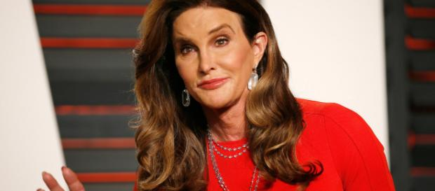 Caitlyn Jenner Uses Trump Tower Ladies Room, Takes a Shot at Ted Cruz - (thedailybeast/Youtube)
