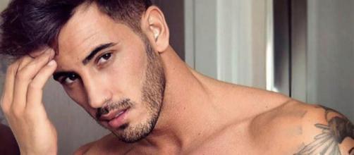 Anticipazioni Uomini e Donne: Ivan Gonzalez potrebbe essere il nuovo tronista.